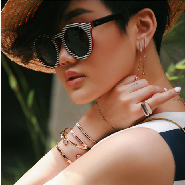 @color_blocker in Linear Friendship Bracelets